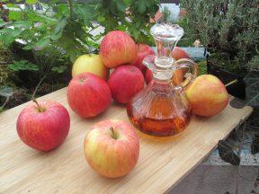 שימושים לבריאות עור הפנים לחומץ תפוחים ממיץ סיידר. צילום: Pixabay wicherek Polski